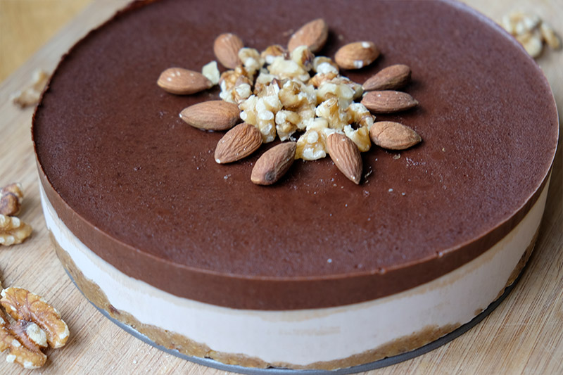 Walnut cheesecake