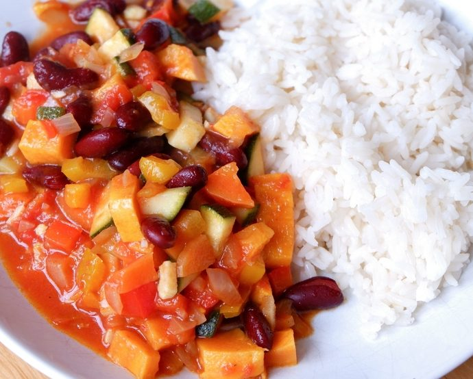 VEGETABLE CHILLI WITH BEANS